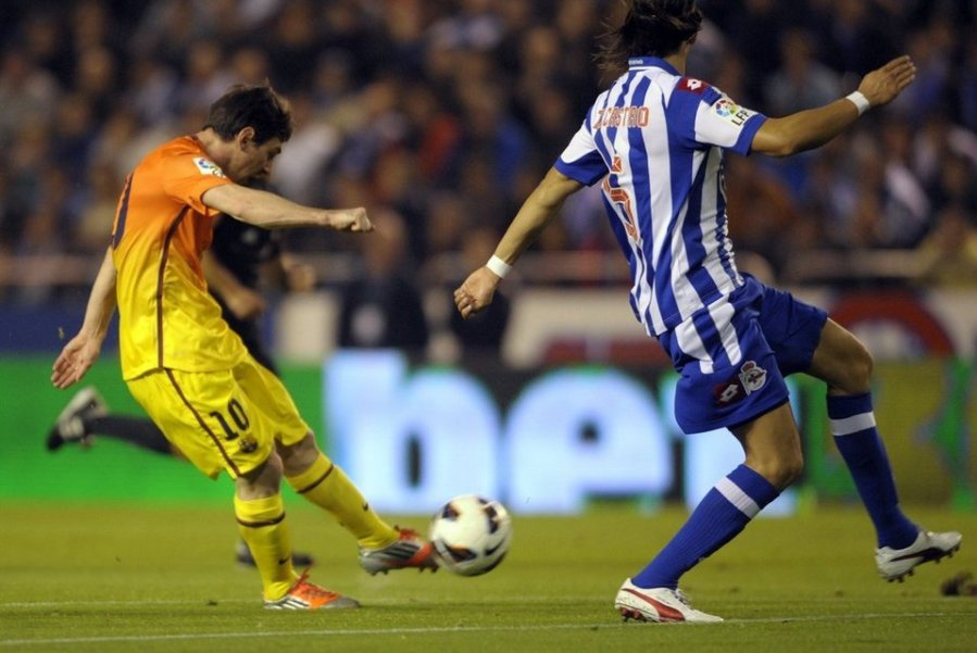 deportivo 4-5 barcelona messi first goal