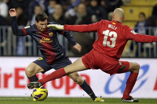 malaga 1-3 barcelona messi goal