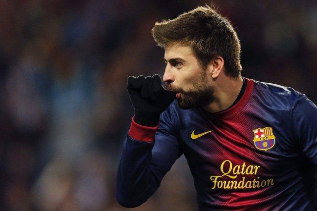 malaga 2-4 barcelona papa piqué goal celebration