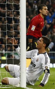 real madrid 1-1 barcelona ronaldo miss