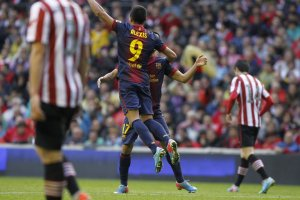 athletic 2-2 barcelona alexis celebrates goal 2013