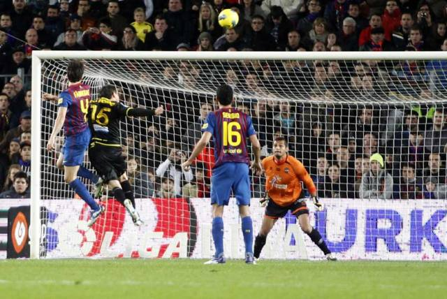 barcelona 5-0 levante cesc fabregas head goal