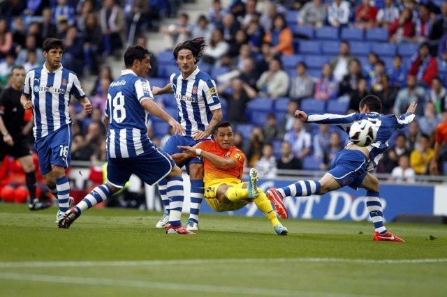 espanyol 0-2 barcelona alexis sanchez scores goal 2013