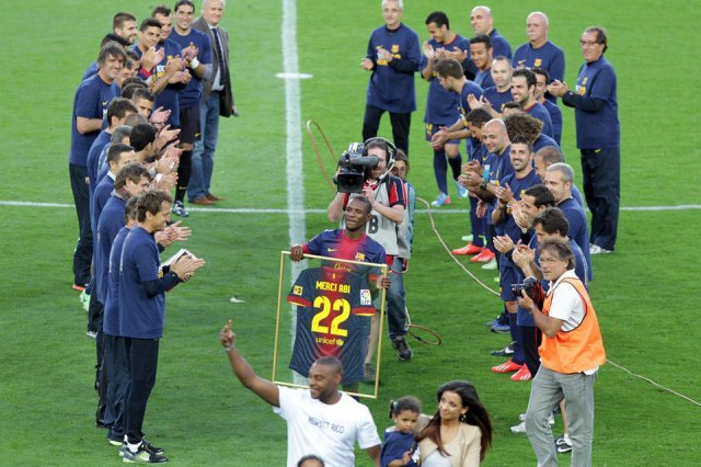 barcelona 4-1 malaga guard of honour abidal 2013