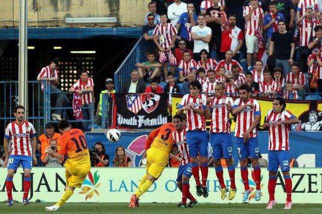 atletico 1-2 fc barcelona messi free kick 2013