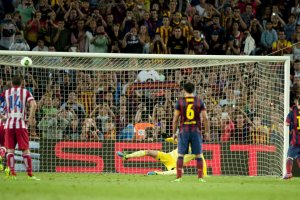barcelona 0-0 atletico madrid messi penalty miss 2013