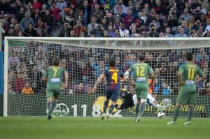 barcelona 1-0 levante navas penalty save villa 2013