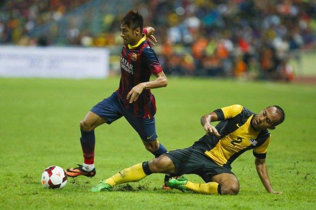 malaysia xi 1-3 barcelona neymar skill 2013