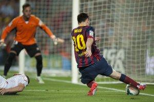 barcelona 3-2 sevilla messi third goal