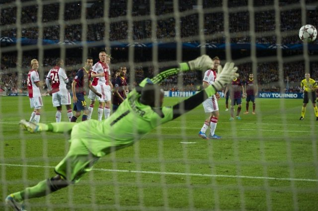 Barcelona 4-0 Ajax Messi first goal 2013
