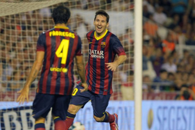 valencia 2-3 barcelona messi celebrates hat-trick goal with fabregas 2013