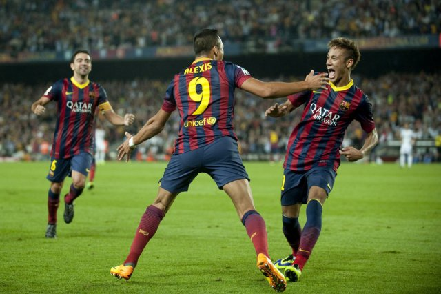 Barcelona 2-1 Real Madrid Alexis goal celebration 2013
