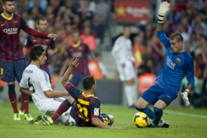 Barcelona 2-1 Real Madrid penalty appeal 2013