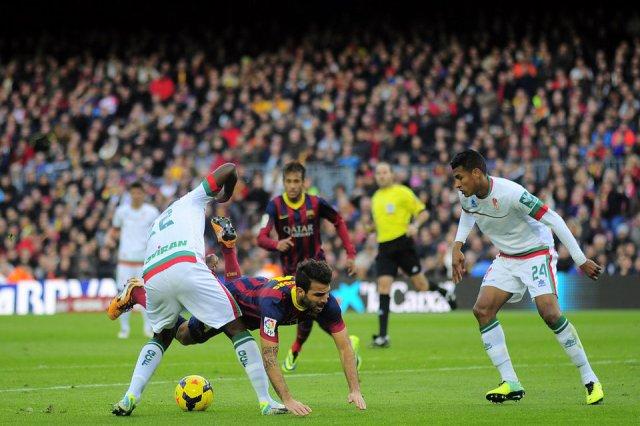 Barça 4-0 Granada penalty on Fabregas 2013