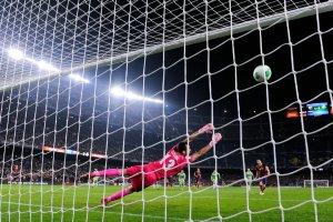 Barça 4-0 Getafe Fabregas penalty 2014 Copa del Rey