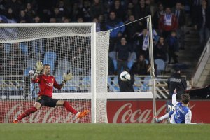 Real Sociedad 3-1 Barcelona Griezmann goal 2014
