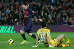 barcelona 5-1 osasuna messi first goal