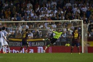 Real Madrid 2-1 Barça Bartra goal Copa del Rey Final 2014