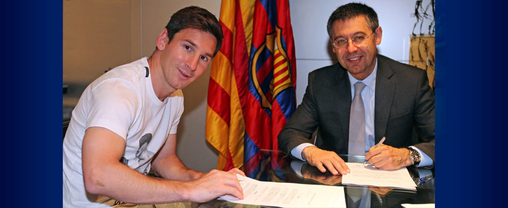 It's official: Messi signs new contract