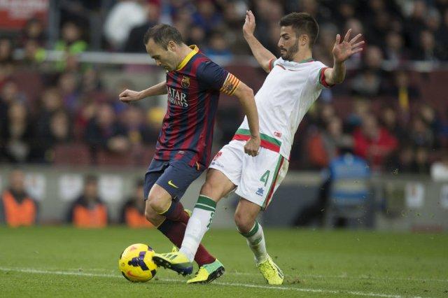 Barça 4-0 Granada penalty on Iniesta 2013