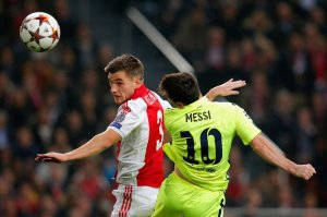 Ajax 0-2 Barça Messi scores first goal 2014