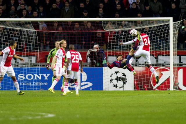 Ajax 2-1 Barça Neymar overhead kick 2013