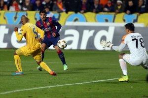 Apoel 0-4 Barça Suarez goal 2014