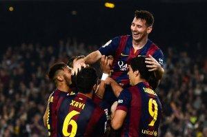 Barça 5-1 Sevilla team celebrates Messi goal 2014