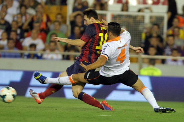 valencia 2-3 barcelona leo messi hat trick second goal 2013