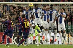 Barça 5-1 Espanyol Messi free kick crossbar