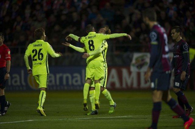 Huesca 0-4 Barça Rakitic Iniesta goal celebration 2014