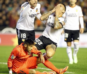 Valencia 0-1 Barça Neymar Otamendi theatre 2014