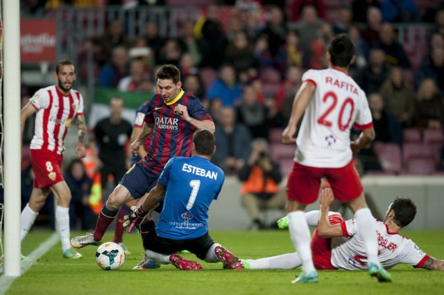 Barça 4-1 Almeria Leo Messi two-step 2014