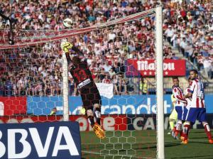 Atletico 0-1 Barça Messi free kick 2015