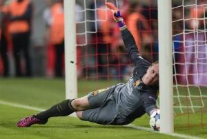 Bayern Barça Ter Stegen line save 2015